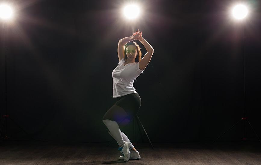 ballet-dancer-practicing